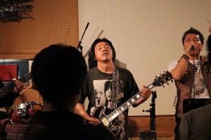 メインのギタリスト陶酔ww