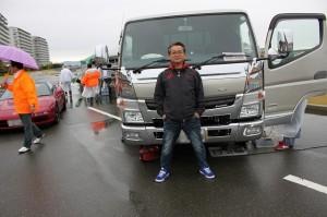 あぁ、どーらくさんのトラックね!ピッカピカです