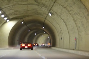 トンネルだらけですココ