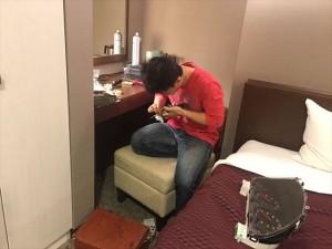 ホテルについたら今度はryoさんのメーターなおすりょ~すけくん